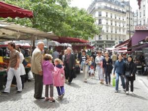 market street Mouffetard Paris