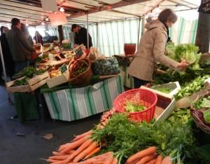 Batignolles organic market